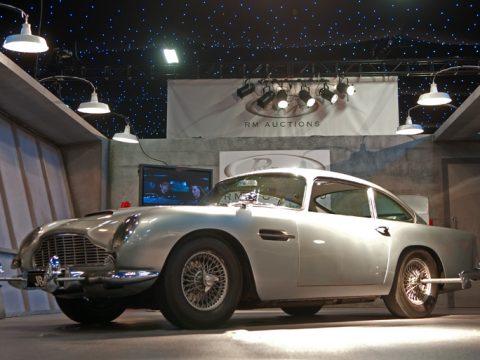 Db5 For James Bond Goldfinger Thunderball Aston Martins Com