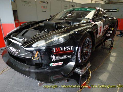 DBR9 – Phoenix Racing (DBR9/104)