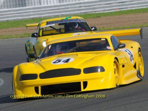 V8 GT700R